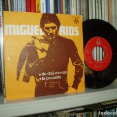 Discos de vinilo: MIGUEL RIOS SINGLE DA-DOU-RON-RON/LA PECOSITA PROMO 1970 SPAIN MINT-/MINT-. Lote 123134163