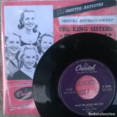 Discos de vinilo: KING SISTERS. IN HAMBURG/ WHILE THE LIGHTS ARE LOW. CAPITOL, GERMANY 1957 SINGLE + COPIA DE CUBIERTA. Lote 124697538