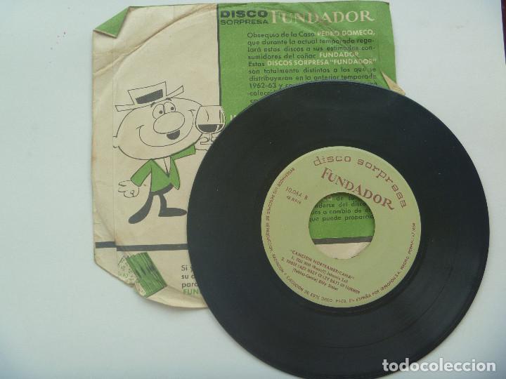 Discos de vinilo: DISCO ( SINGLE ) SORPRESA DE FUNDADOR : MUSICA NORTEAMERICANA - Foto 2 - 124176315