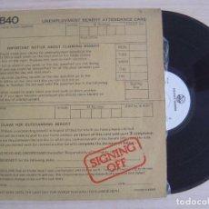 Discos de vinilo: UB 40 - SIGNING OFF - LP ESPAÑOL 1980 - GRADUATE. Lote 124651551