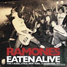 Discos de vinilo: RAMONES -- EATEN ALIVE - THE 4 ACRES, UTICA, NEW YORK, 14 NOVEMBER 1977 --DOBLE LP PUNK. Lote 128060371