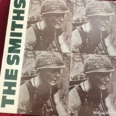 Discos de vinilo: LP-THE SMITHS ‎– MEAT IS MURDER (ALTERNATIVE ROCK.INDIE ROCK) NUEVO, COLOR AZUL UNOFFICIAL. Lote 128083507