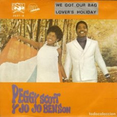 Discos de vinilo: PEGGY SCOTT Y JO JO BENSON WE GOT OUR BAG LOVER'S HOLIDAY SINGLE 1969. Lote 128439567