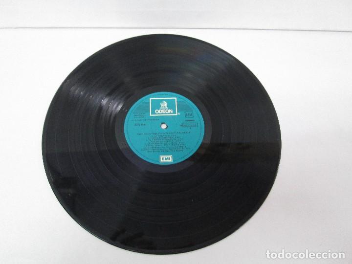 Discos de vinilo: BANDA SONORA ORIGINAL DE LA PELICULA LA BARRACA. POSIBLEMENTE DEDICADO POR ALVARO DE LUNA. 1979 - Foto 3 - 128677635