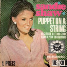 Discos de vinilo: SANDIE SHAW - PUPPET ON STRING - SINGLE. Lote 128698935