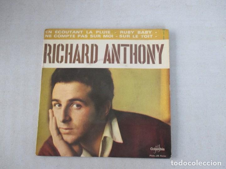 RICHARD ANTHONY EN ÉCOUTANT LA PLUIE + 3 COLUMBIA EDICIÓN FRANCESA (Música - Discos de Vinilo - EPs - Canción Francesa e Italiana)
