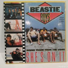 Discos de vinilo: BEASTIE BOYS - SHE'S ON IT MAXI SINGLE 45RPM. DEF 651068 6. Lote 128875259