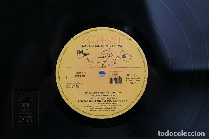 Discos de vinilo: Disco LP De Vinilo - Joan Manuel Serrat / Cada loco Con Su Tema - Encarte Con Letras - Ariola, 1983 - Foto 2 - 128887122