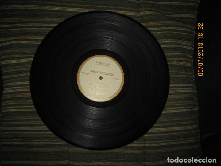 Discos de vinilo: ELTON JOHN - VICTIM OF LOVE LP - ORIGINAL U.S.A. - MCA RECORDS 1979 CON FUNDA INT. ORIGINAL - Foto 12 - 128961355