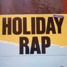 Discos de vinilo: MC MIKER G & DEEJAY SVEN. HOLIDAY RAP. MAXISINGLE. BLANCO Y NEGRO.. Lote 129137159