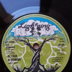 Discos de vinilo: ALTHIA & DONNA/UP TOWN TOP RANKING- MIGHTY TWO/ CALICO SUIT- SINGLE LIGHTING RECORDS 1977 UK. Lote 129980463