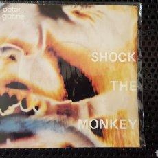 Discos de vinilo: SINGLE - PETER GABRIEL – SHOCK THE MONKEY (ED. FRANCESA) - CHARISMA – 6000 872. Lote 130769880