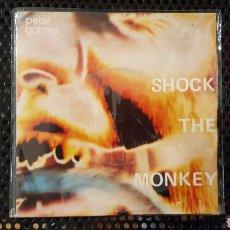 Discos de vinilo: SINGLE - PETER GABRIEL – SHOCK THE MONKEY (ED PORTUGUESA) - CHARISMA – 6000 872. Lote 130770705