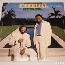 Discos de vinilo: THE ISLEY BROTHERS ' SMOOTH SAILIN' ' NEW YORK - USA 1987 LP33 WARNER BROS RECORDS. Lote 30823351