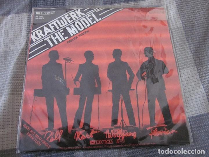 Discos de vinilo: KRAFTWERK - LOTE DE 3 SINGLES EN EDICION ALEMANA - VER FOTOS Y DESCRIPCION. - Foto 5 - 132212022