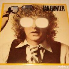 Discos de vinilo: IAN HUNTER EX-MOTT ( YOU'RE NEVER ALONE WITH A SCHIZOPHRENIC ) 1979 - SWEDEN LP33 CHRYSALIS. Lote 132565358
