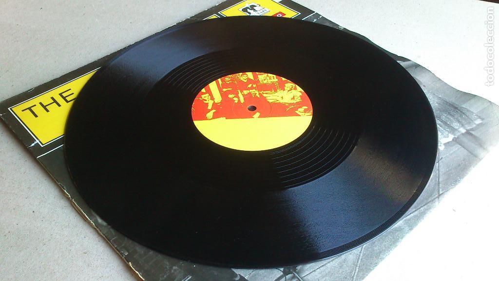 Discos de vinilo: THE JUNE BRIDES - THIS TOWN - 1986 - EP - Foto 4 - 132698550