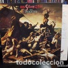 Discos de vinilo: LP THE POGUES : RUM, SODOMY & THE LASH ( INCLUYE LETRAS EN INGLES Y ESPAÑOL ). Lote 133728954
