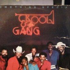 Discos de vinilo: KOOL & THE GANG / SOMETHING SPECIAM. Lote 133773618