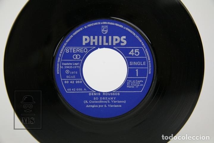 Discos de vinilo: Disco Single De Vinilo - Demis Roussos, So dreamy, Happy To Be An Island In The Sun - Philips, 1975 - Foto 2 - 133897062