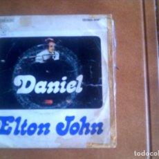 Discos de vinilo: SINGLE DE ELTON JOHN . Lote 134036286