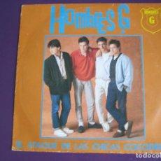 Discos de vinilo: HOMBRES G SG TWINS 1986 EL ATAQUE DE LAS CHICAS COCODRILO/ LA CARRETERA - SIN APENAS USO. Lote 134362034