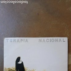 Discos de vinilo: TERAPIA NACIONAL. VESTIDA DE NEGRO / LA PLAYA. SINGLE VINILO. SALAMANCA.. Lote 134847279