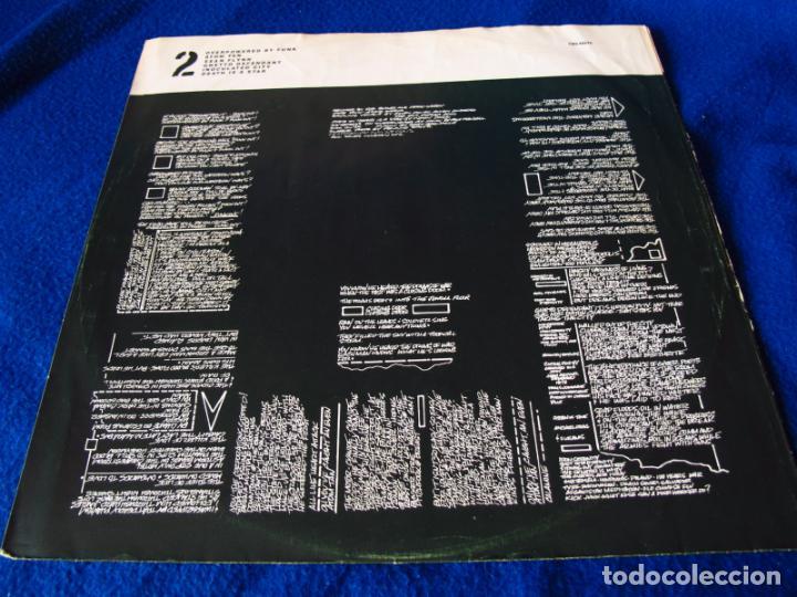Discos de vinilo: THE CLASH - COMBAT ROCK - LP EDICION HOLANDESA 1982 - INCLUYE INSERTO CON LAS LETRAS VG / EX - Foto 4 - 134917366