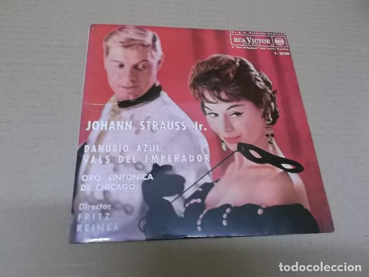 ORQUESTA SINFONICA DE CHICAGO (EP) VIENA – JOHANN STRAUSS JR. AÑO 1962 (Música - Discos de Vinilo - EPs - Clásica, Ópera, Zarzuela y Marchas)