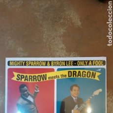 Discos de vinilo: THE MIGHTY SPARROW WITH BYRON LEE AND THE DRAGONAIRES ?– SPARROW MEETS THE DRAGON . LP PRECINTADO. Lote 136344086