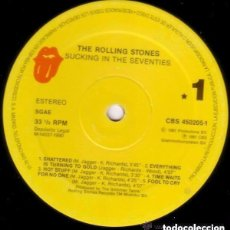 Discos de vinilo: THE ROLLING STONES– SUCKING IN THE SEVENTIES - LP REISSUE SPAIN 1990. Lote 137394238