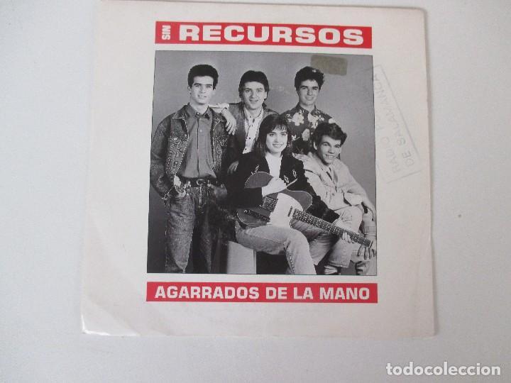 SIN RECURSOS AGARRADOS DE LA MANO +1 EMI 1990 (Música - Discos - Singles Vinilo - Grupos Españoles de los 90 a la actualidad)