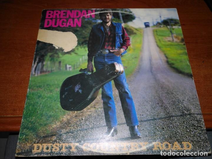 BRENDAN DUGAN, DUSTY COUNTRY ROAD. (Música - Discos - LP Vinilo - Country y Folk)