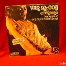 Discos de vinilo: VAN MCCOY -- EL ENGAÑO / HEY CHICA COMO ESTAS, AVCO, 1975.. Lote 140349202