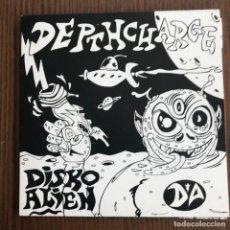 Discos de vinilo: DEPTH CHARGE - DISKO ALIEN - DISCO DE 10'' D.C. RECORDINGS UK 1997. Lote 140360402