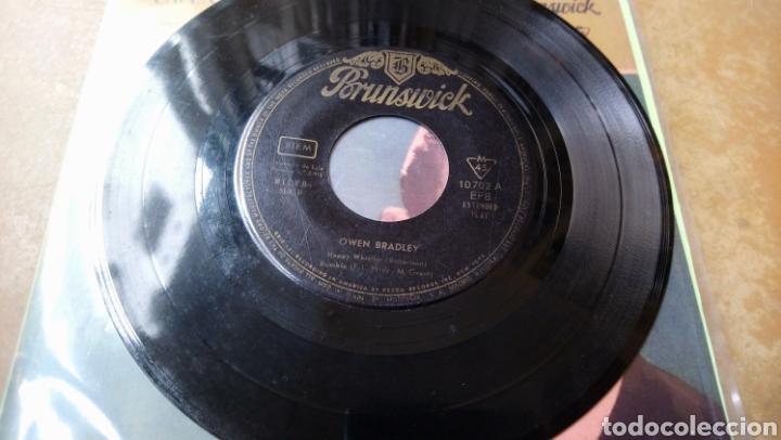 Discos de vinilo: Owen Bradley–Happy Whistler / Petit Fleur . Spain 1960. Hispavox. - Foto 3 - 140568402