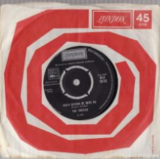Discos de vinilo: THE TURTLES SHE'D RATHER BE WITH ME 1967 ORIGINAL UK SINGLE 45 LONDON HLU 10135. Lote 141169678