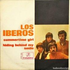 Discos de vinilo: SINGLE. LOS IBEROS. SUMMERTIME GIRL / HIDING BEHIND MY SMILE. (VG+/VG+). Lote 143430041