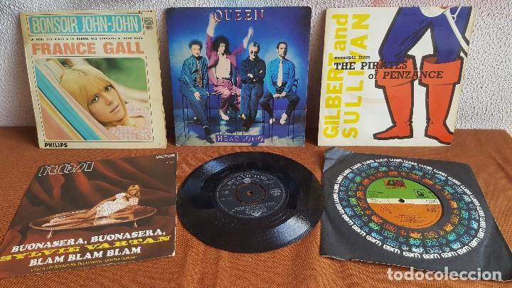 COLECCIÓN DE 52 DISCOS DE VINILO, SINGLES. MÍRALO!!! (Música - Discos - Singles Vinilo - Otros estilos)
