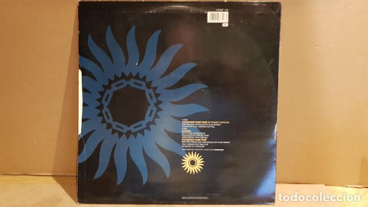 Discos de vinilo: CLIFF RICHARD / STRONGER THAN THAT / MAXI SG - EMI - 1990 / LIGERO USO. ***/*** - Foto 2 - 142179822