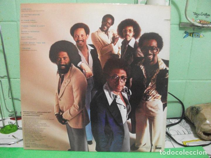 Discos de vinilo: COMMODORES - NATURAL HIGH - LP MOTOWN USA 1978 - Foto 2 - 142587354