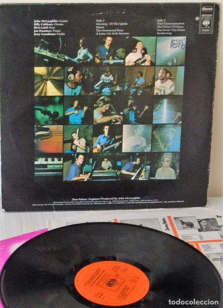 Discos de vinilo: THE MAHAVISHNU ORCHESTRA WITH JOHN MCLAUGHLIN - THE INNER MOUNTTING FLAME HOLLAND -C B S - 1971 - Foto 2 - 143145374