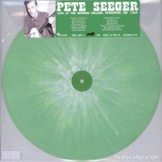 Discos de vinilo: PETE SEEGER * VINILO 18 DE 300 * LIVE AT THE BOWDOIN COLLEGE, BRUNSWICK,1960 FUNDA PVC. Lote 143202010