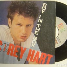 Discos de vinilo: COREY HART - BOY IN THE BOX / SILENT TALKING - SINGLE 1985 - EMI. Lote 143406370