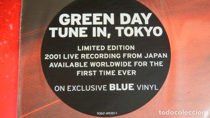 Discos de vinilo: GREEN DAY * LP Record Store Day 2014 * TUNE IN TOKYO * LTD Vinilo azul + cupón descarga Precintado!! - Foto 2 - 143664810