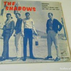 Discos de vinilo: SHADOWS, EP, GERÓNIMO + 3, AÑO 1964. Lote 143711806