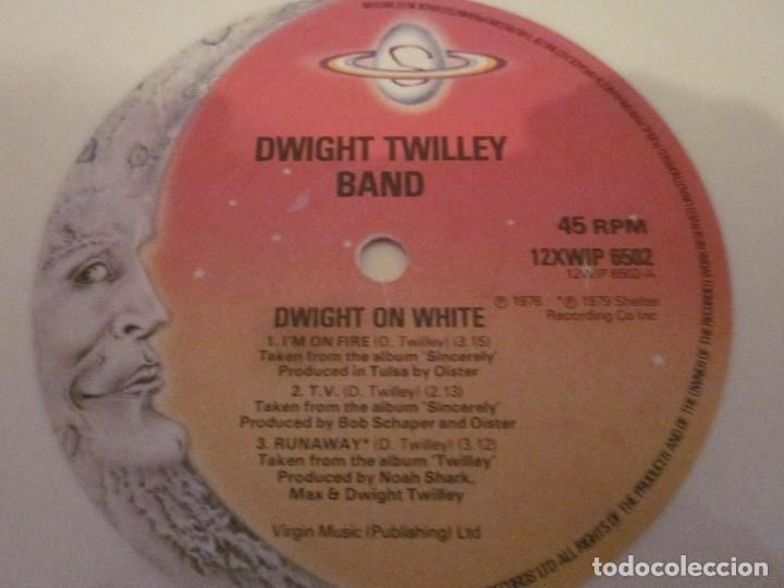 Discos de vinilo: DWIGHT TWILLEY - DWIGHT ON WHITE - MAXISINGLE EDICION INGLESA DEL 1979 - VINILO BLANCO. - Foto 4 - 143742242