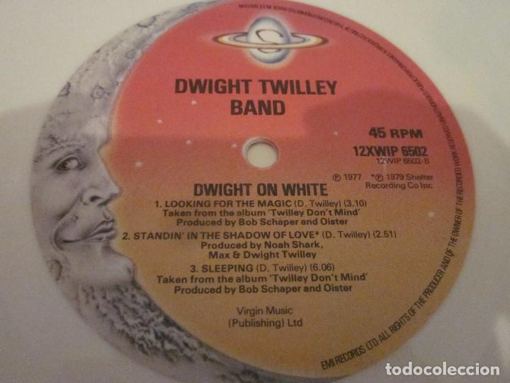 Discos de vinilo: DWIGHT TWILLEY - DWIGHT ON WHITE - MAXISINGLE EDICION INGLESA DEL 1979 - VINILO BLANCO. - Foto 5 - 143742242