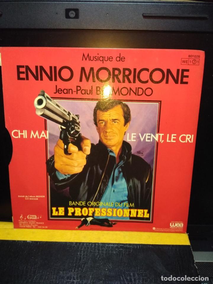 Discos de vinilo: SG BSO LE PROFESSIONEL ( JEAN-PAUL BELMONDO) MUSICA DE ENNIO MORRICONE - Foto 2 - 143875122
