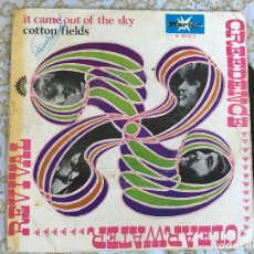 Discos de vinilo: 7 SINGLE-CREDENCE CLEARWATER REVIVAL-IT CAME OUT OF SKY. Lote 144388510